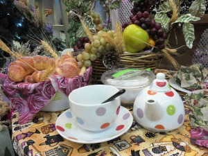 tea set polka dots